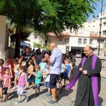 """الأب غابرييل رومانيلي: """"يشهد قطاع غزة اغلاقًا مزدوجًا في الوقت الحالي"""""""