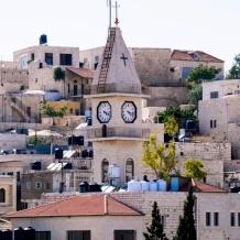 Il villaggio cristiano e la casa per anziani Beit Afram di Taybeh lottano contro il COVID