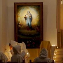 La Familia monástica de Belén reza por los oprimidos y los que sufren