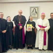 البطريرك بيتسابالا يزور الرئيسة العامة الجديدة لراهبات الوردية
