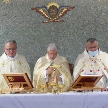 New Maronite Archbishop Selim Sfeir installed and welcomed in Cyprus