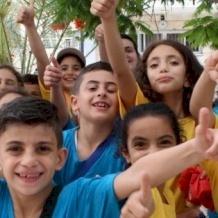 المخيمات الصيفية في رعية العائلة المقدسة: ملاذ الأطفال من الواقع المرير في غزة