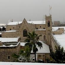 بالصور: الأرض المقدسة تكتسي بالثلوج