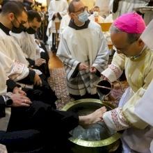 فيديو وصور: قداس خميس الأسرار ورتبة غسل الأرجل في كنيسة القيامة