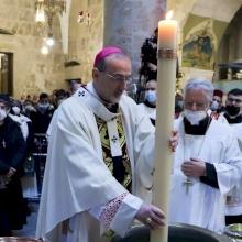 Le Patriarche Pizzaballa célèbre la Messe de la Veillée Pascale au Saint-Sépulcre