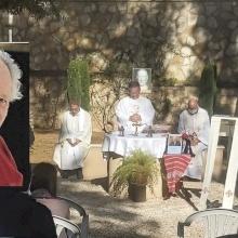 قداس إلهي بمناسبة مرور عام على رحيل الأب هانس بوتمان اليسوعي