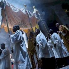 """البطريرك بيتسابالا في عيد جسد الرب: """"الإفخارستيا هي الأسلوب الطبيعي للعيش"""""""