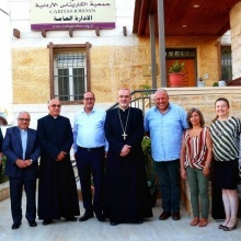 البطريرك بيتسابالا يلتقي أسرة الكاريتاس في الأردن