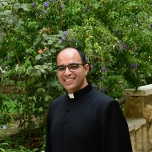 تعيين الأب طوني حايين مرشدًا عامًا للحركة الكشفية الكاثوليكية في فلسطين