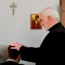 Père Michael, exorciste : Pour se protéger des démons, il faut prier et avoir une vie sacramentelle