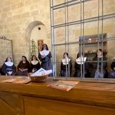 راهبات الكلاريس الفقيرات يُصلين لأجل كنيسة القدس بشفاعة القديس فرنسيس الأسيزي