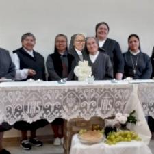 راهبات السالزيان يُصلين لتجديد حُبهن لمريم الكلية القداسة