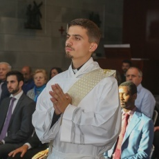 Ordinazione presbiterale di Mateo Alvarez Serna nella chiesa della Domus Galilaeae
