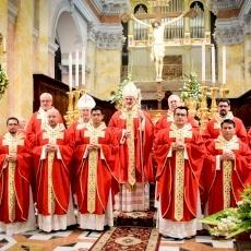 """""""¿Quién soy yo para ti?"""": ordenaciones sacerdotales en San Salvador"""