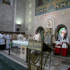 رعية استشهاد القديس يوحنا المعمدان في مادبا تقدم الشكر للأبوين سالم وأكرم