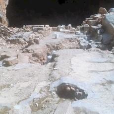 البطريرك بيتسابالا في زيارة للأماكن الأثرية في بانياس ومعليا