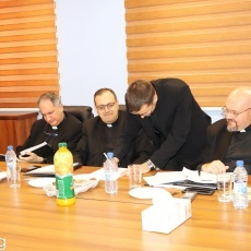 طلاب المعهدين الإكليريكي البطريركي وأم الفادي يجتازون الامتحان النهائي في اللاهوت