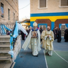 رعية اللاتين في القدس تحتفل باختتام الشهر المريمي
