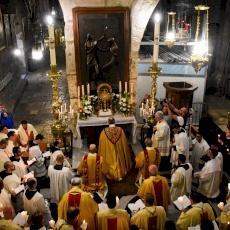 """Le Patriarche Pizzaballa à l'occasion de la Fête-Dieu : """"L'Eucharistie est le mode de vie habituel"""""""