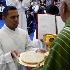 Un evento lleno de alegría en el Seminario Redemptoris Mater: seis nuevos ministros y un nuevo admitido a las órdenes