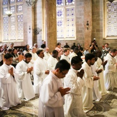 14 salésiens recoivent l'ordination diaconale à Gethsémani