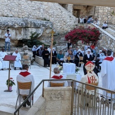في عيد القديسَين بطرس وبولس، صلاة غروب في مزار القديس بطرس لصياح الديك