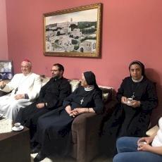 البطريرك بيتسابالا ووفدٌ بطريركيّ يزوران عائلة الطفل ريان نزار جعنينة معزّيَين ومهنّئَين
