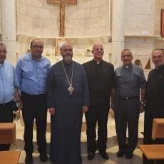 القائم بأعمال سفارة الكرسي الرسولي يزور قريتين مسيحيتين مهجّرتين في الجليل