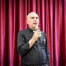 مجلس الكهنة في القدس يعقد اجتماعًا حول العلاقات المسكونية في المعهد الاكليريكي