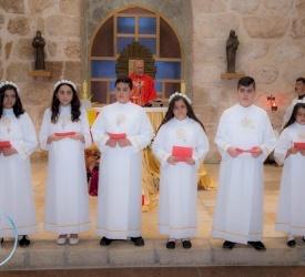 إحتفالات المناولة الأولى وسر التثبيت في كنيسة مار فرنسيس في بيت لحم