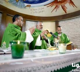كنيسة قلب يسوع الأقدس في ناعور تقدم الشكر لكاهن الرعية ومساعده