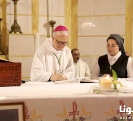 الأخت هبة كتي تحتفل بالنذور الأولى لها لرهبنة مار يوسف للظهور في الأردن