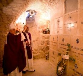 المطران بولس ماركوتسو يترأس القداس الإلهي احتفالاً بتذكار الموتى المؤمنين