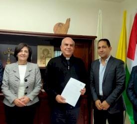توقيع مذكرة تفاهم بين مدارس البطريركية اللاتينية وجامعة بيرزيت