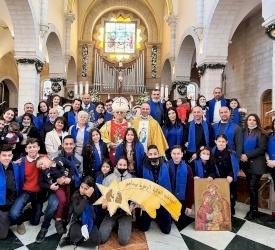 الاحتفال بعيد العائلة المقدسة واليوبيل الذهبي والفضي لعدد من العائلات في بيت لحم