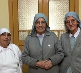 La communauté des filles de Sainte-Anne prie pour les prêtres du diocèse de Jérusalem