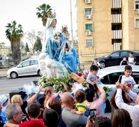 Les chrétiens de Haïfa revivent différemment la procession de Notre-Dame du Mont Carmel