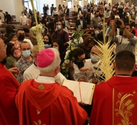 Christians in Jordan celebrate Palm Sunday after 2-month hiatus