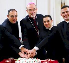 البطريرك بيتسابالا يمنح رتبة القارئ لثلاثة من طلاب المعهد الاكليريكي البطريركي