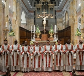 Ordination de douze nouveaux diacres en l'église Saint-Sauveur