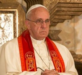 Papa Francesco invita la Chiesa universale a unirsi in preghiera per la pace in Terra Santa