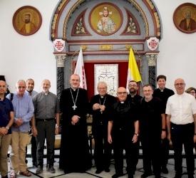 البطريرك بيتسابالا يستقبل وفد حجاج من الكهنة والصحفيين الإيطاليين بقيادة الكاردينال فيروتشي