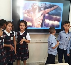 توزيع أجهزة اللوح الذكي على مدارس البطريركية اللاتينية