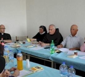 المكتب الرعوي لأبرشية القدس يعقد اجتماعه الثاني في الطيبة