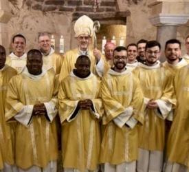 Fiesta en Nazaret: nuevos diáconos y nuevos sacerdotes de la Custodia de Tierra Santa