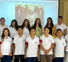 """قادة """"عناقيد المحبة"""" ينشرون البهجة في مركز سيدة السلام في الأردن"""