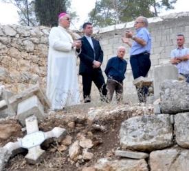 La Asamblea de Ordinarios Católicos condena la profanación del cementerio salesiano en Beit Jimal