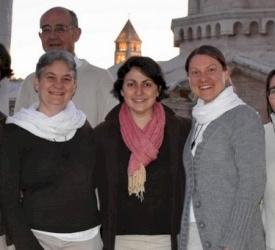 Ecce Homo : Deux communautés accueillent pour la commémoration du Christ, couronné d'épines