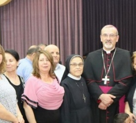 Archbishop Pizzaballa pays pastoral visit to Church of St. Pius X in Zarqa