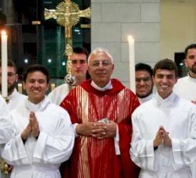 Celebración de los ministerios de Lectorado y Acolitado en el Seminario Redemptoris Mater de Galilea
